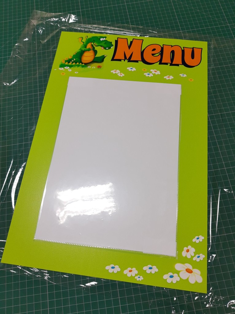 tabliczka menu ze smokiem