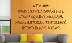 sentencja napis na ścianę