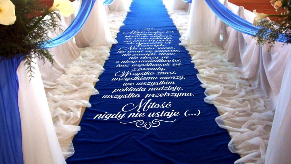 hymn do miłości na dywanie