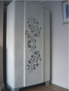 naklejka kwiaty na szafę
