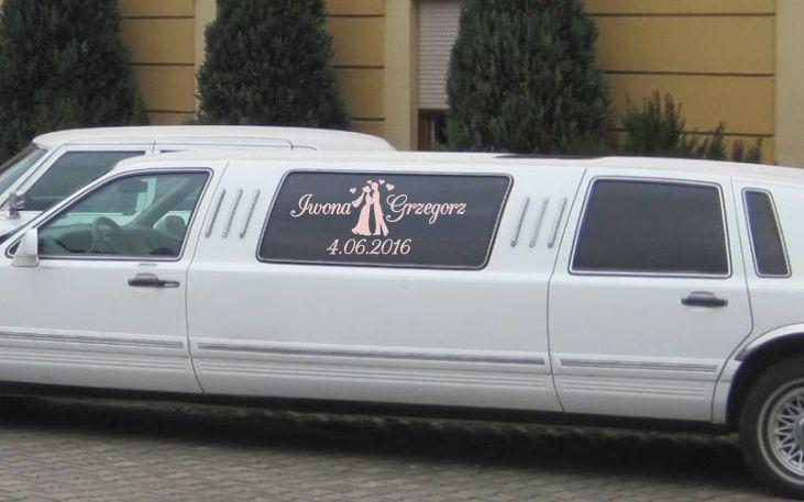 napis na samochód ślubny