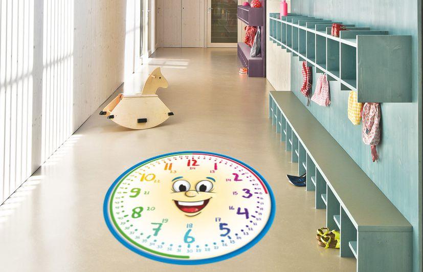 zegar na podłogę